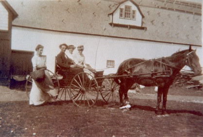 Glenaladale - Horse and buggy with riders